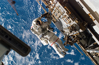 clay-anderson-and-rick-mastracchio-spacewalk.jpg